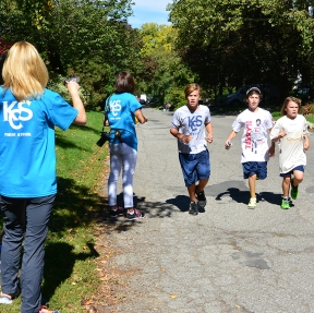 Cheering on the Terry Fox runners.